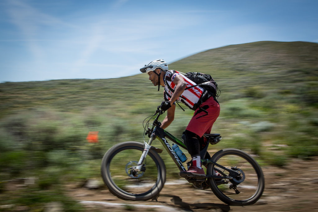 VP Components Brand Manager and CES co-founder Erik Saunders shreds during practice for the Battle Born Enduro. VP is a founding sponsor of the series and we appreciate its unwavering support! Photo: Called to Creation.